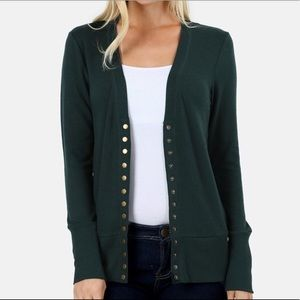 Sweaters - PLUS SIZE Hunter green snap cardigan